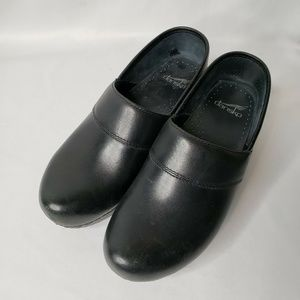 Dansko Prima Clog Women Black Leather Clog
